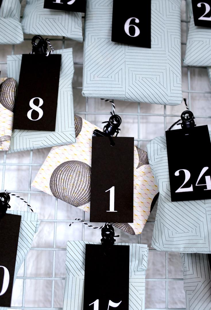Adventskalender selber machen, einfach, Gitter, Siebdruck, schwarz-weiß